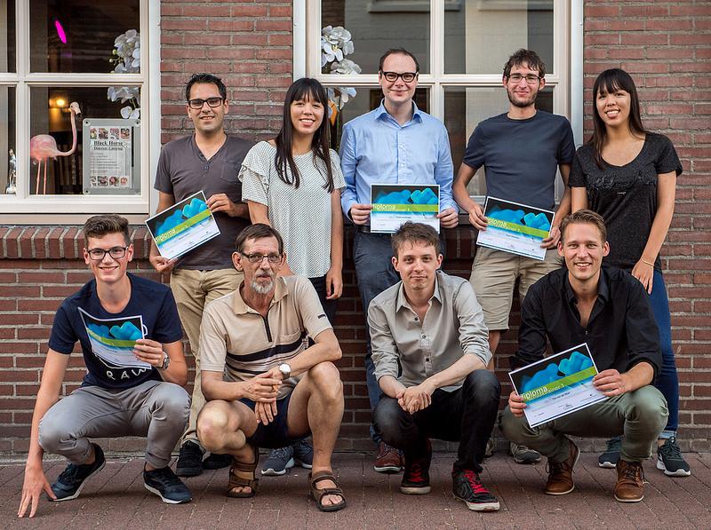 Foto Frans Peeters, ST1 geslaagden Roosendaal Bovenste rij van links